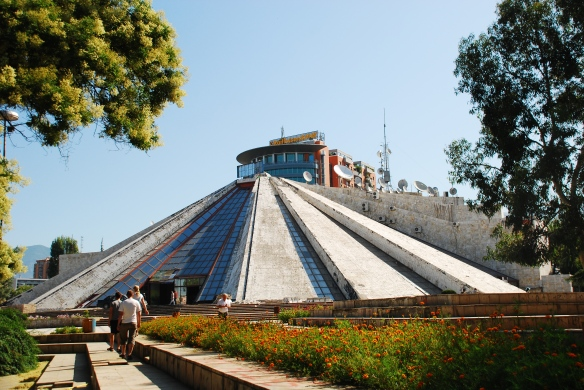 Piramida Hoxhy