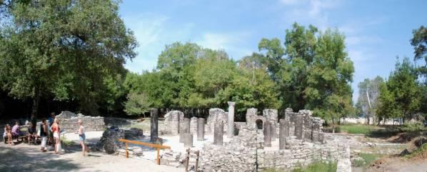 Butrint - porównywany do Pompei lub innych zabytków grecki. Miejsce obowiązkowe.