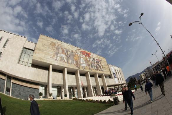 Tirana czyli stolicę trzeba odwiedzić!