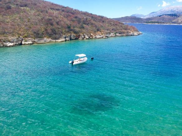 Nie ma się czego obawiać te łódki w Albanii nie przewożą uchodźców.